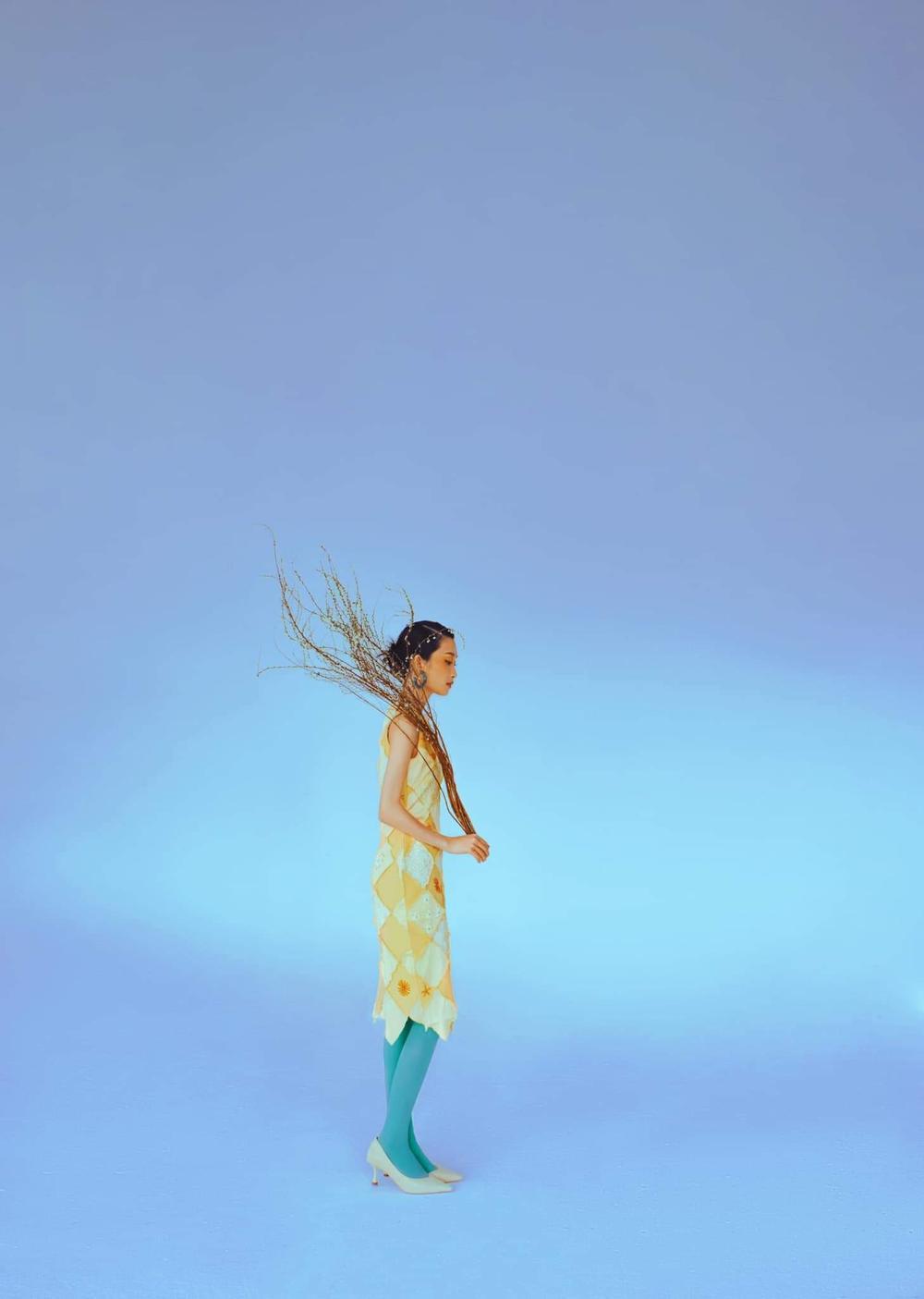 Juky San hoá nàng thơ tao nhã, đẹp thoát tục mơ màng giữa tiết Xuân Ảnh 9