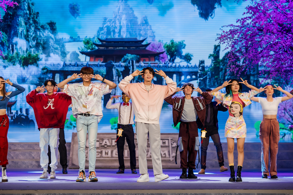 Quang Đăng tái hiện 2 màn trình diễn độc đáo làm nên tên tuổi tại sân khấu Táo Quân 2021 Ảnh 2