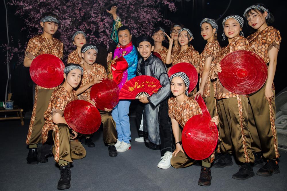 Quang Đăng tái hiện 2 màn trình diễn độc đáo làm nên tên tuổi tại sân khấu Táo Quân 2021 Ảnh 8