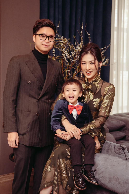 Sao Việt mùng 1 Tết Tân Sửu: Gia đình Hà Hồ đỏ rực 'xuất hành', Lan Ngọc khoe nhan sắc mặn mà cuốn hút Ảnh 7