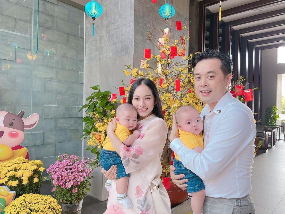 Sao Việt mùng 1 Tết Tân Sửu: Gia đình Hà Hồ đỏ rực 'xuất hành', Lan Ngọc khoe nhan sắc mặn mà cuốn hút Ảnh 13