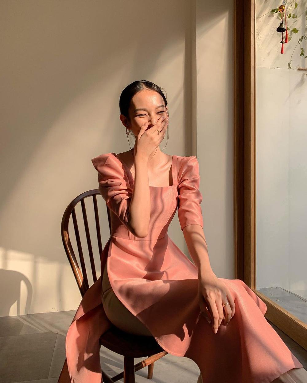 Sao Việt xúng xính mùng 1 Tết: H'Hen Niê diện đồ truyền thống, Tú Hảo, Bảo Anh nhẹ nhàng với áo dài Ảnh 4