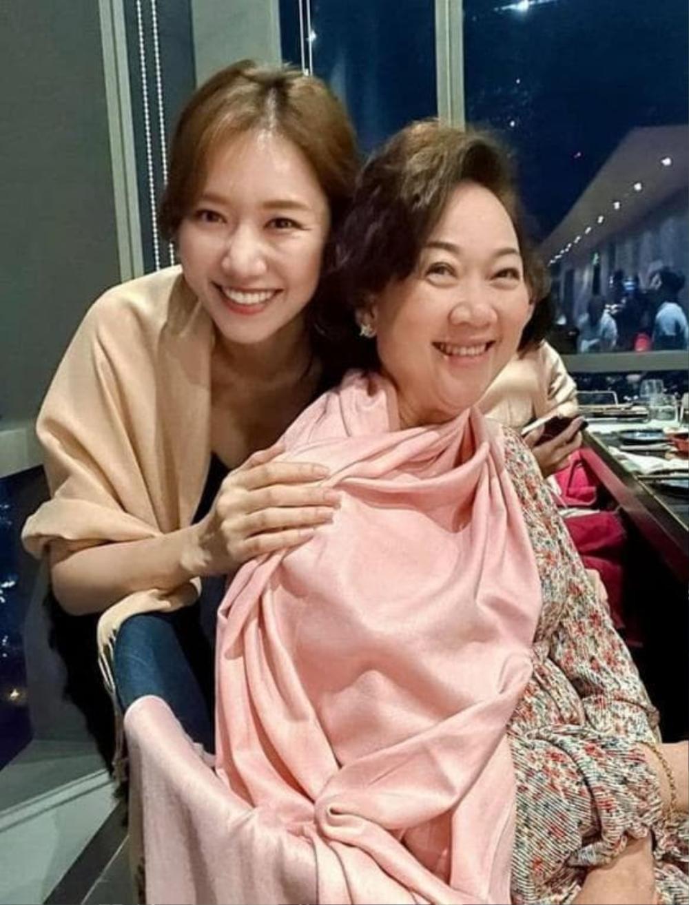 Hari Won khoe khoảnh khắc 'mẹ chồng nàng dâu' vào mùng 1 Tết khiến ai cũng xuýt xoa ghen tị Ảnh 9