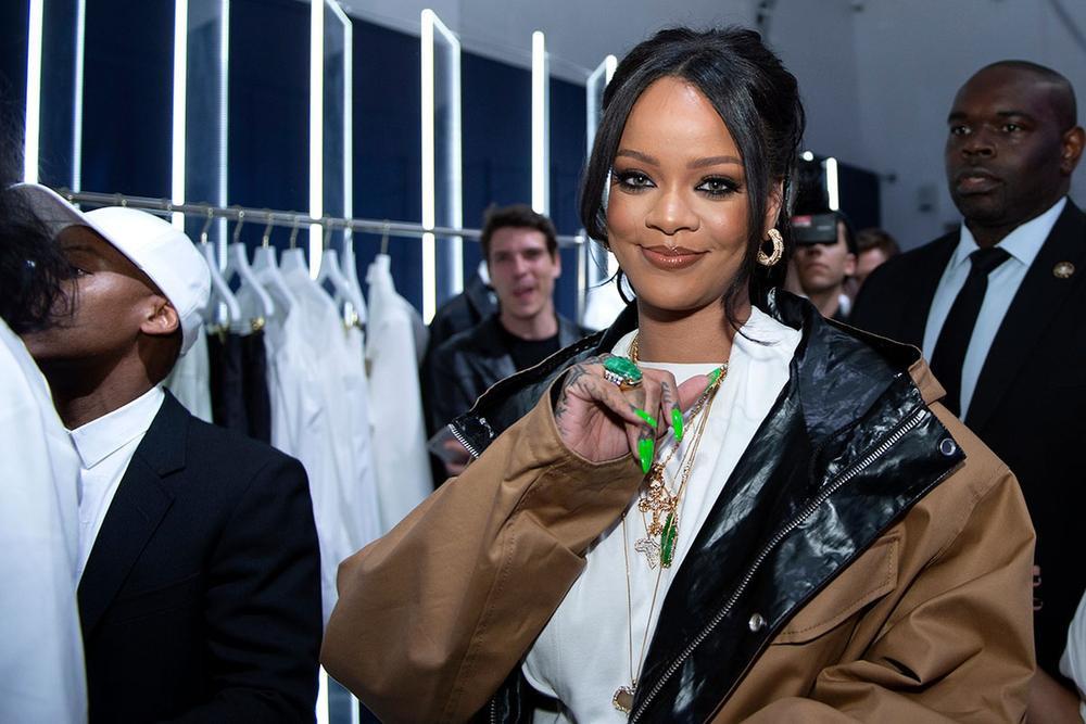 Rihanna và LVMH đóng cửa dòng thời trang Fenty Ảnh 1