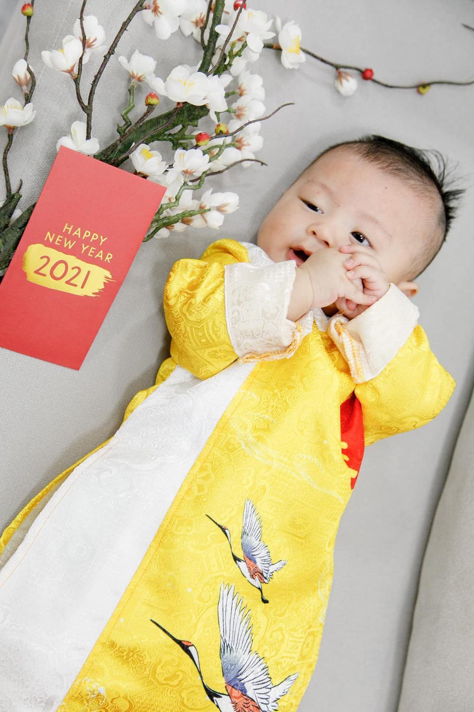 Nhóc tì nhà sao Việt diện áo dài ngày Tết: Cưng nhất hẳn là con gái Đông Nhi Ảnh 12