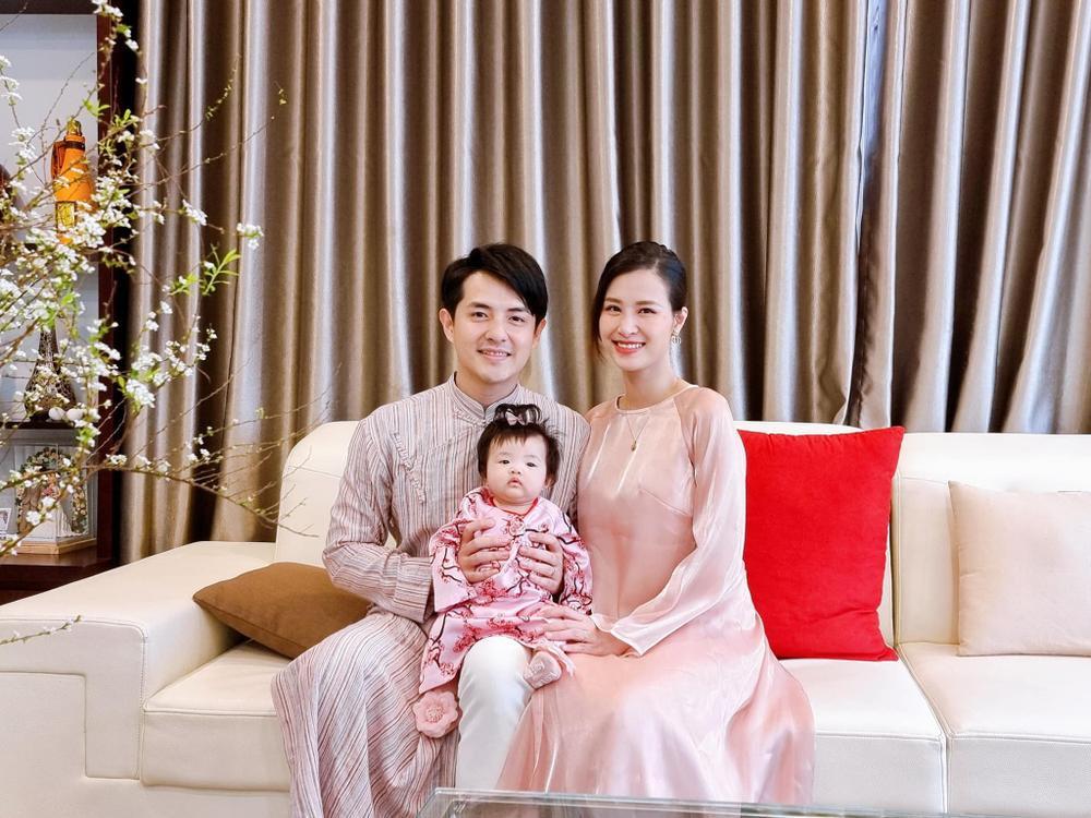 Nhóc tì nhà sao Việt diện áo dài ngày Tết: Cưng nhất hẳn là con gái Đông Nhi Ảnh 1