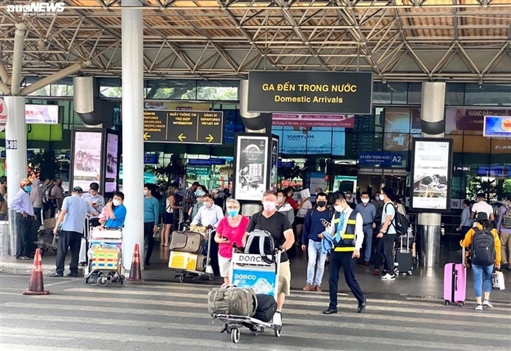 'Ổ dịch COVID-19 tại sân bay Tân Sơn Nhất cơ bản được kiểm soát' Ảnh 1