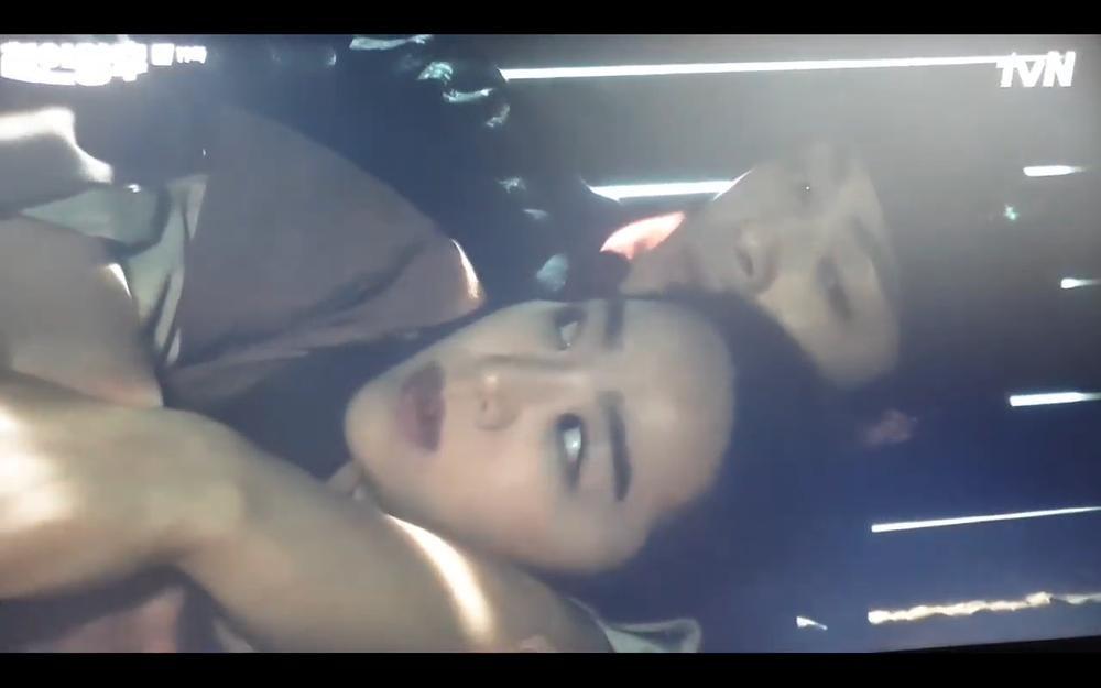 'Mr. Queen' tập 19: Na In Woo chết thảm vì cứu Shin Hye Sun, Kim Jung Hyun trở về Ảnh 56