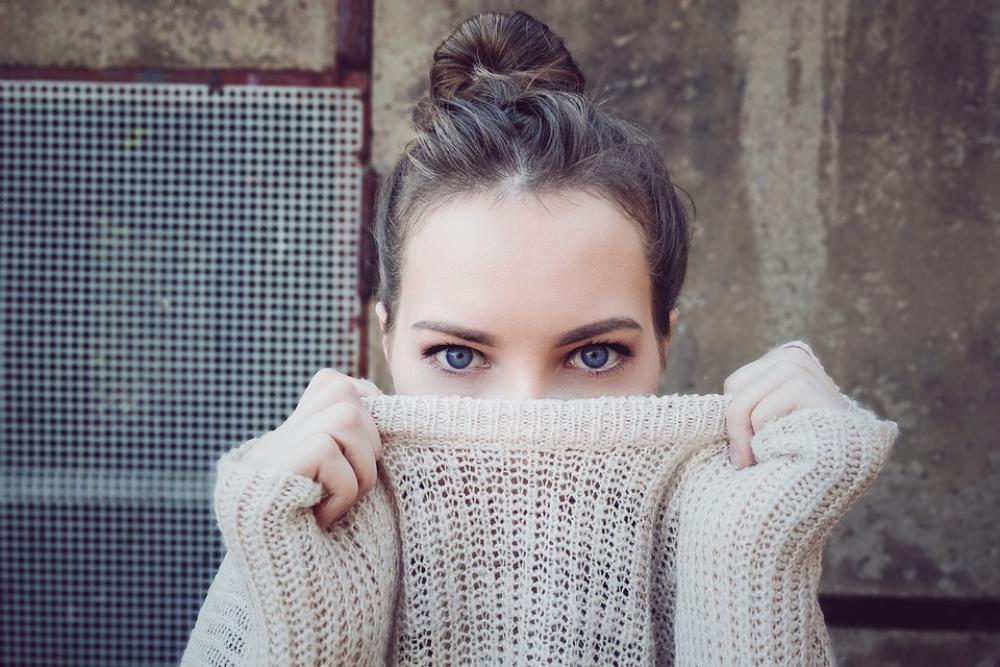 8 điểm phân biệt quần áo rẻ tiền và quần áo chất lượng mà nhân viên bán hàng luôn giấu bạn Ảnh 7