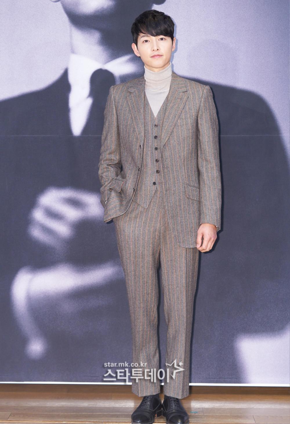 'Tình mới' không dám skinship với Song Joong Ki, rạng rỡ khoác tay Ok Taecyeon tại họp báo 'Vincenzo' Ảnh 9