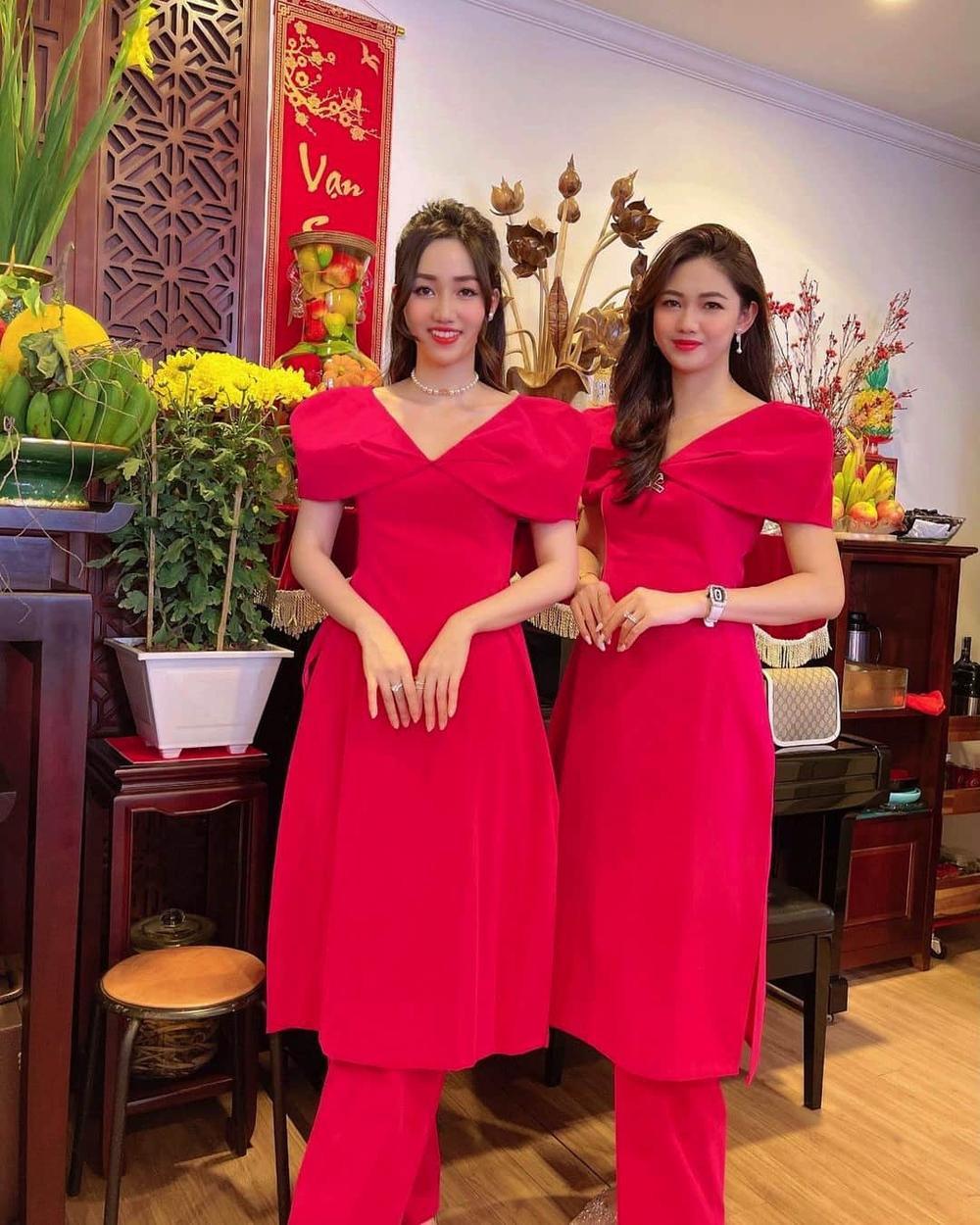 Không đẹp riêng mình, dàn mỹ nhân Việt còn ăn diện đồng điệu với gia đình ngày Tết Ảnh 7