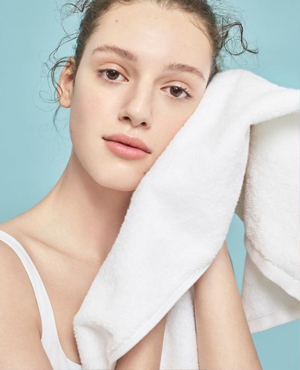 Làm thế nào để chăm sóc da với mỹ phẩm trang điểm? Ảnh 3