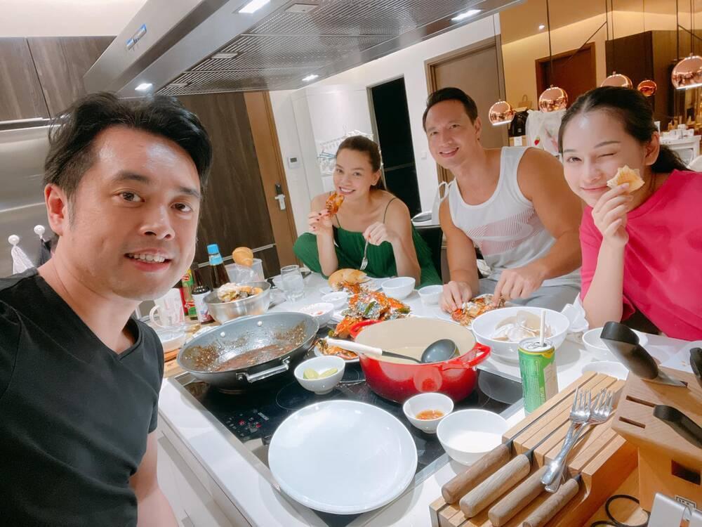Cặp sinh đôi nhà Hà Hồ và Dương Khắc Linh hội ngộ đầu năm, 'nhà trẻ showbiz' khiến ai nhìn cũng yêu Ảnh 5