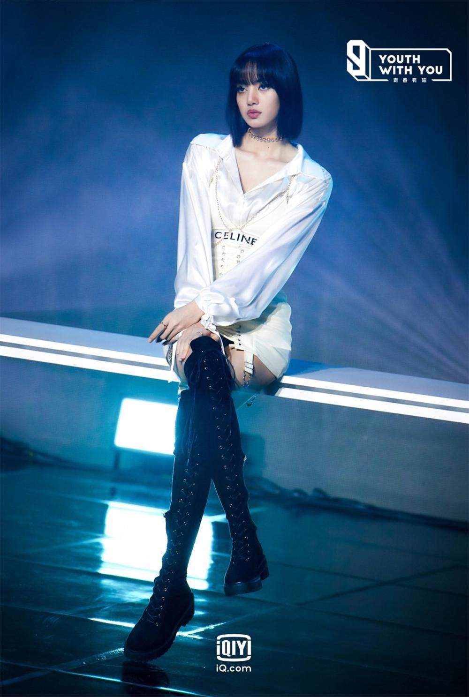 Thanh Xuân Có Bạn 3: Lisa (BlackPink) 'quẩy tưng bừng' trên nền nhạc của Thái Tử Khôn và Justin Bieber Ảnh 4