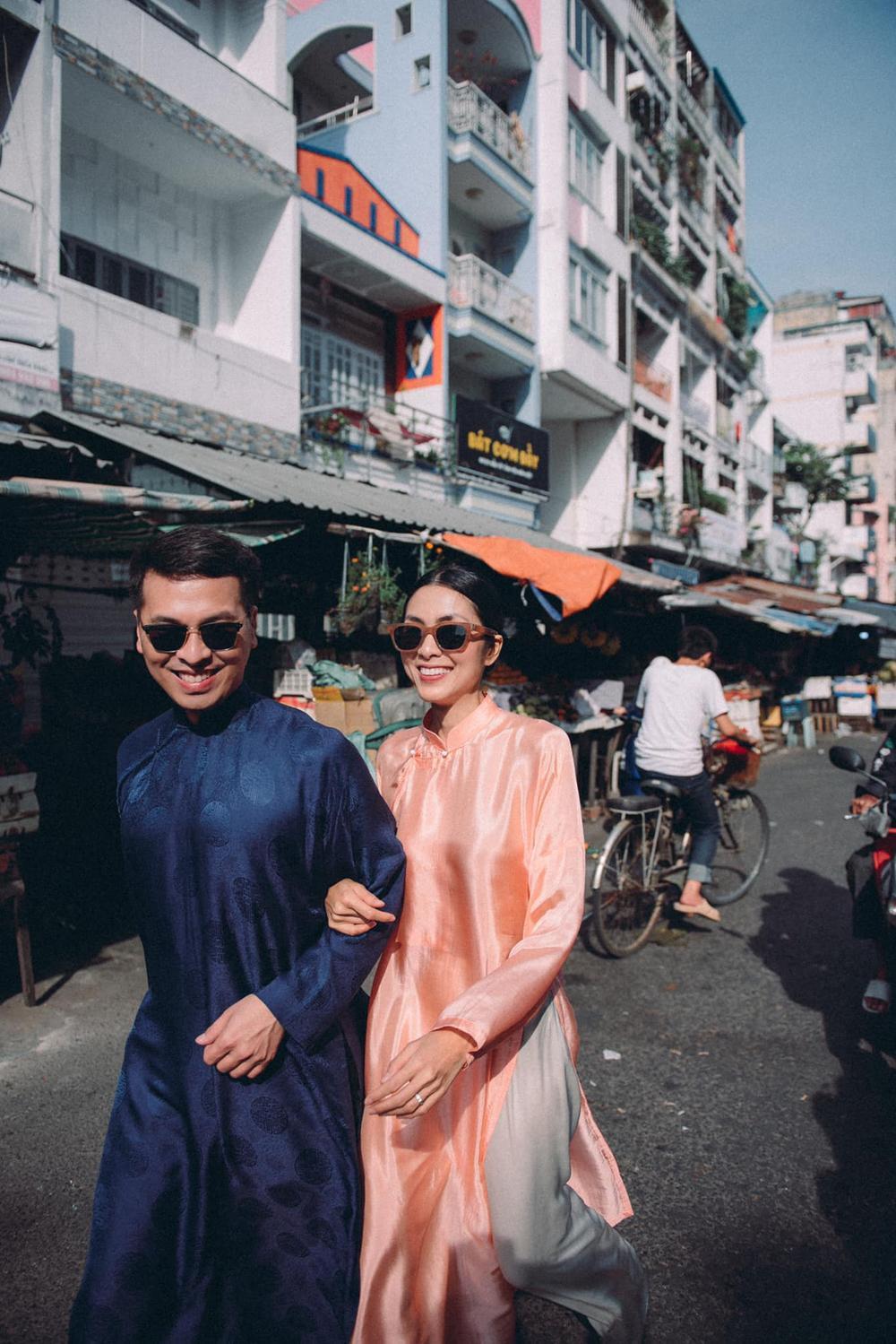 Tăng Thanh Hà tung tăng cùng bạn thân diện áo dài đi chợ sáng sau Tết Ảnh 6