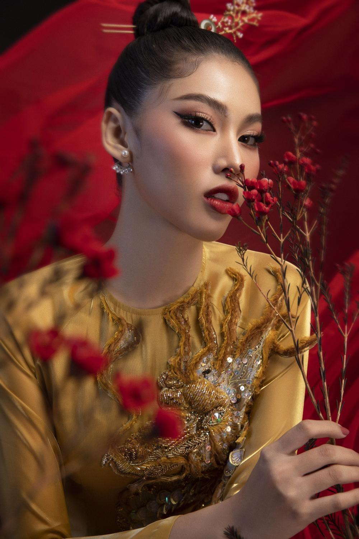 Á hậu Ngọc Thảo tung 2 mẫu National Costume hoành tráng nhờ fan vote dự thi Miss Grand Ảnh 2