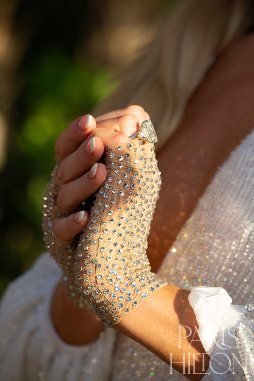 Paris Hilton khoe nhẫn đính hôn trị giá triệu USD Ảnh 5