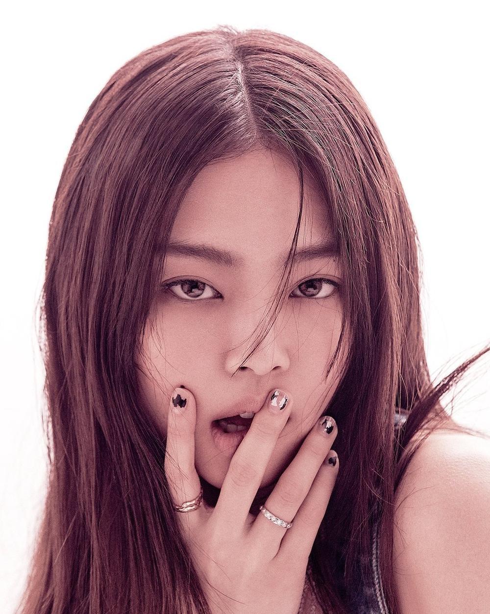 Jennie Black Pink trở thành biên tập viên thời trang trên tạp chí Vogue Korea Ảnh 4