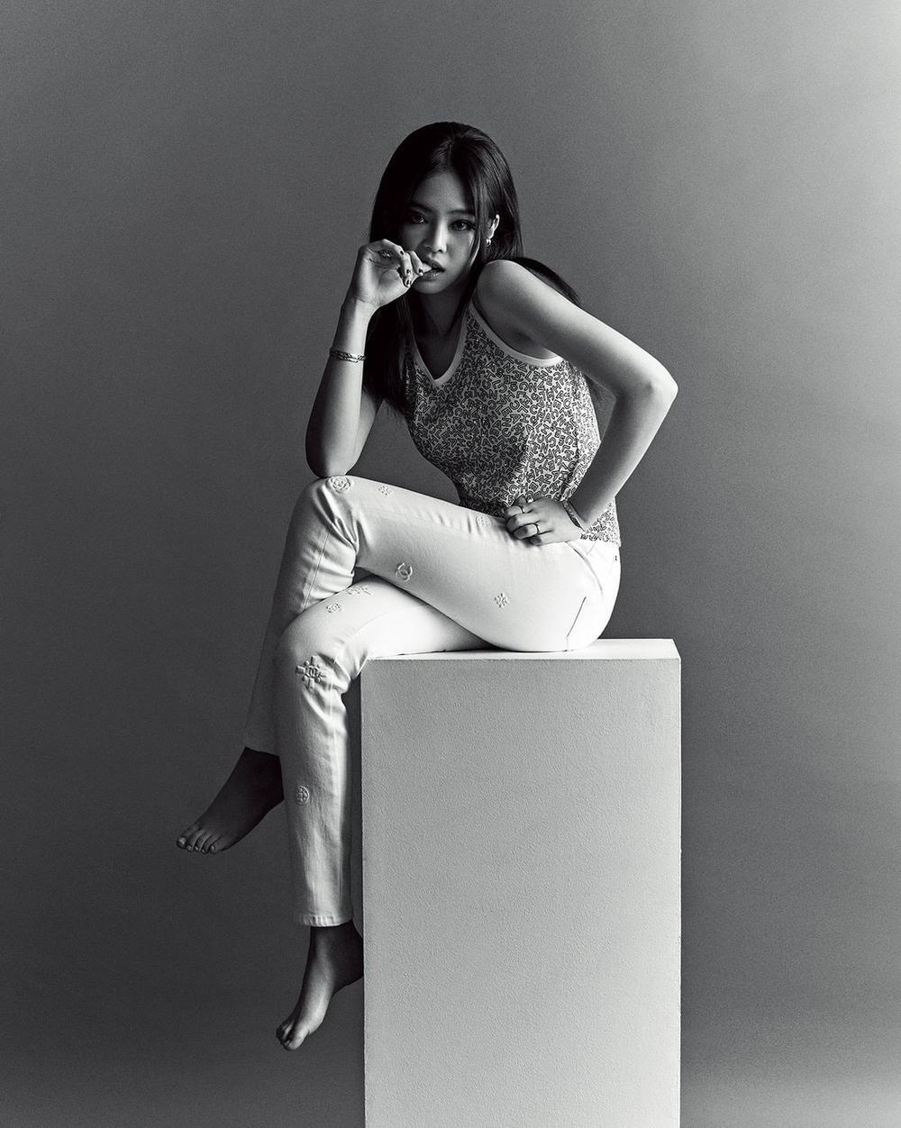 Jennie Black Pink trở thành biên tập viên thời trang trên tạp chí Vogue Korea Ảnh 5