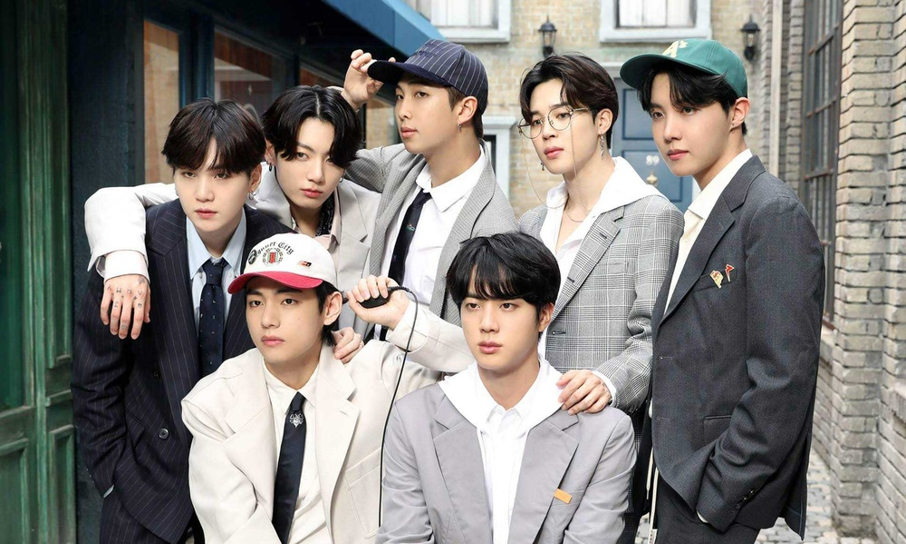 Vừa phát hành phiên bản mới của album 'BE', BTS liền rinh cú đúp thành tích tại Hàn lẫn Nhật Ảnh 6
