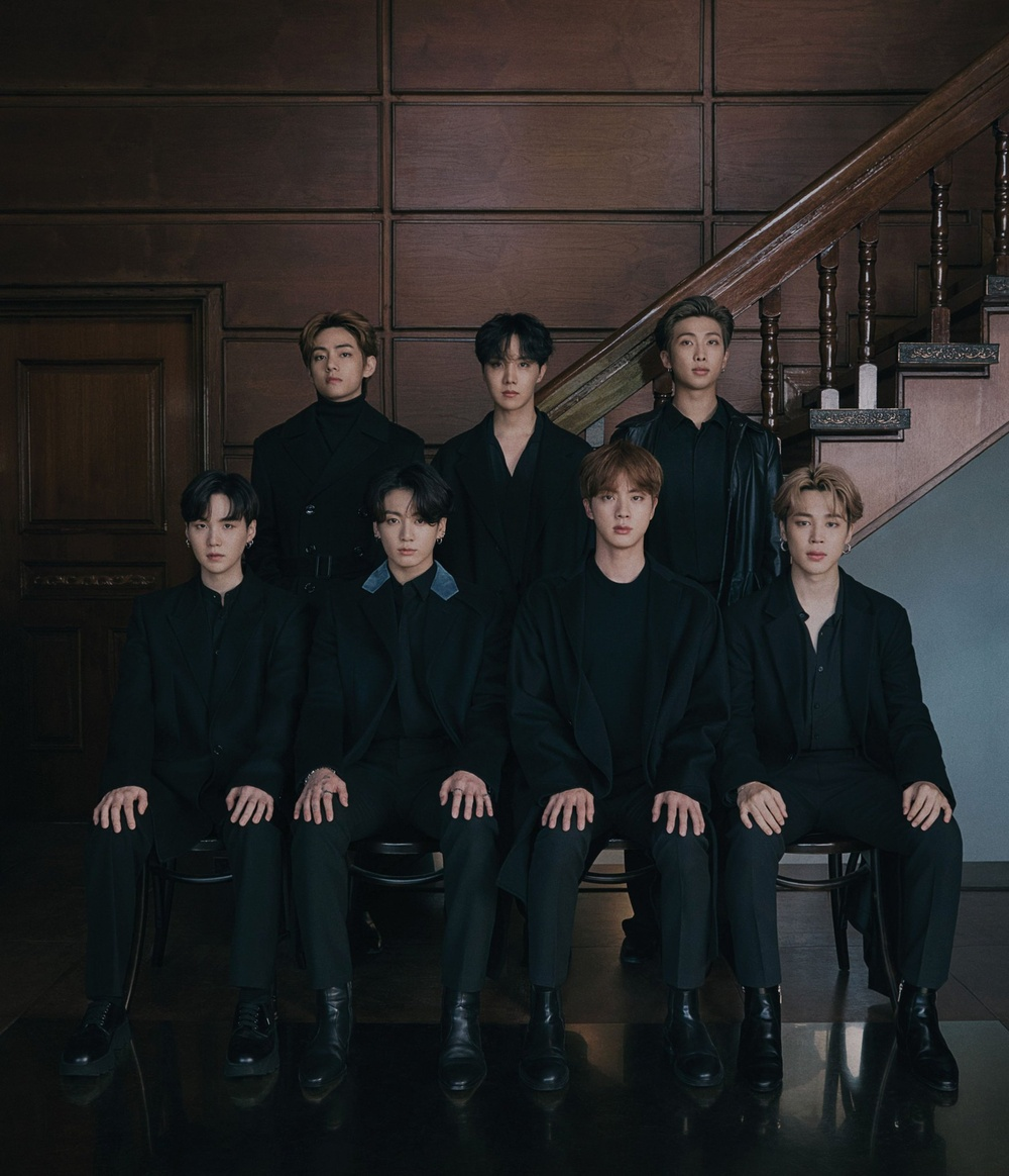 Vừa phát hành phiên bản mới của album 'BE', BTS liền rinh cú đúp thành tích tại Hàn lẫn Nhật Ảnh 4