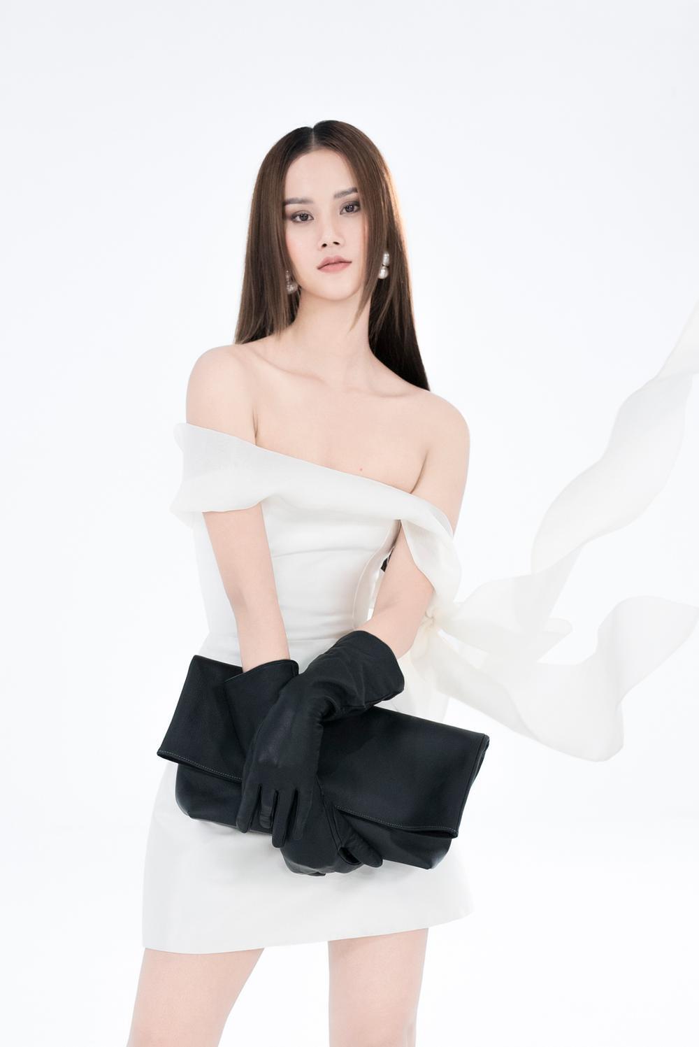 NTK Trần Hùng ra mắt BST tại London Fashion Week, chỉ dùng một người mẫu duy nhất Ảnh 26