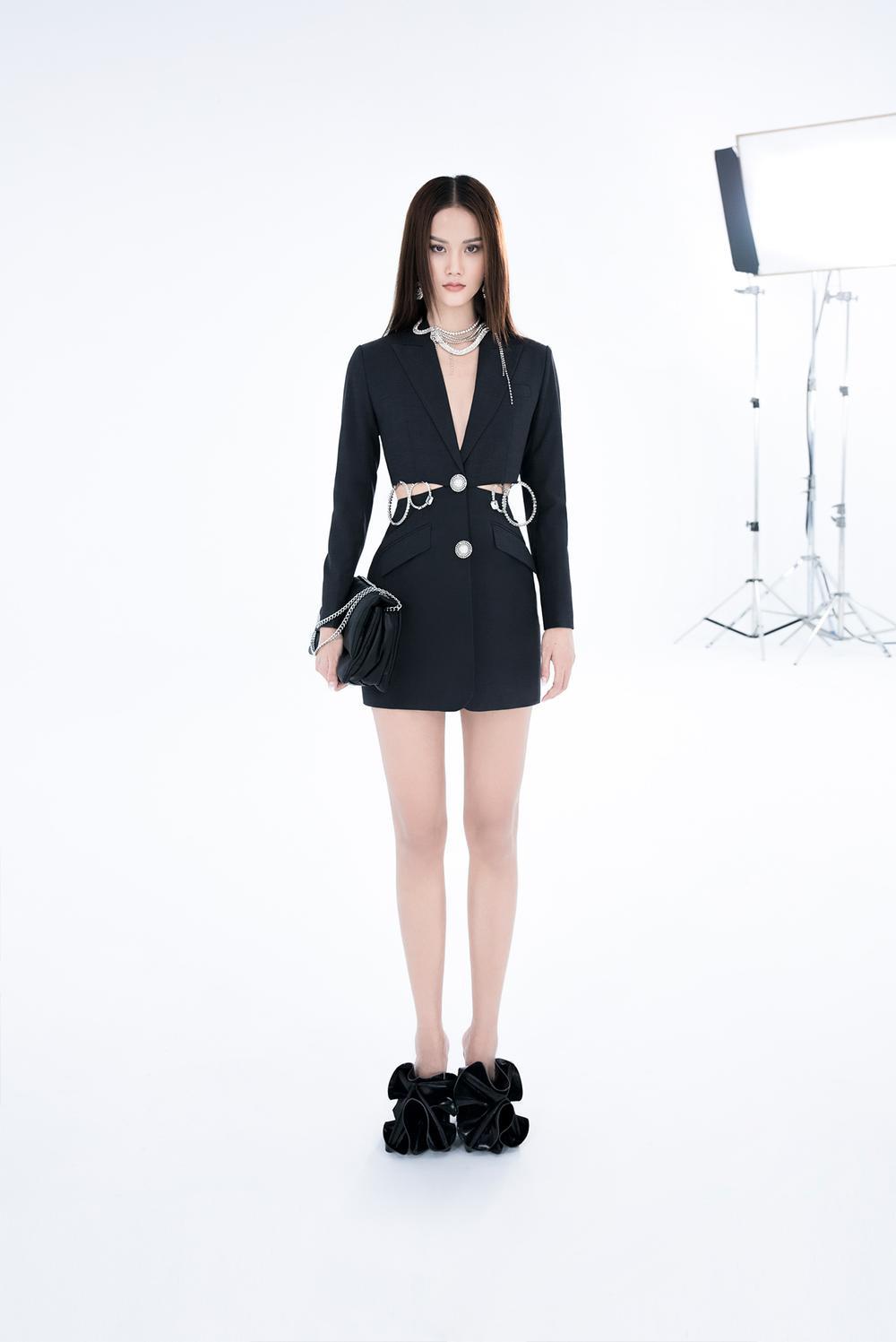 NTK Trần Hùng ra mắt BST tại London Fashion Week, chỉ dùng một người mẫu duy nhất Ảnh 27