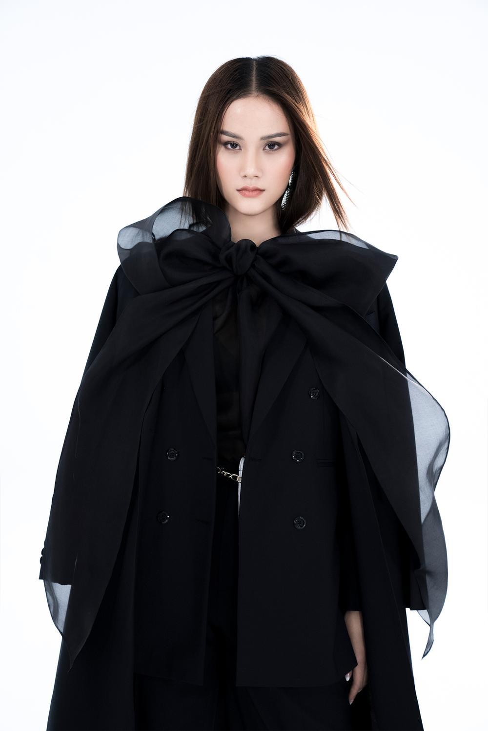 NTK Trần Hùng ra mắt BST tại London Fashion Week, chỉ dùng một người mẫu duy nhất Ảnh 5