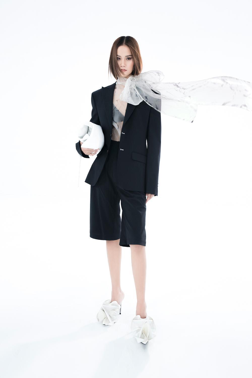 NTK Trần Hùng ra mắt BST tại London Fashion Week, chỉ dùng một người mẫu duy nhất Ảnh 6