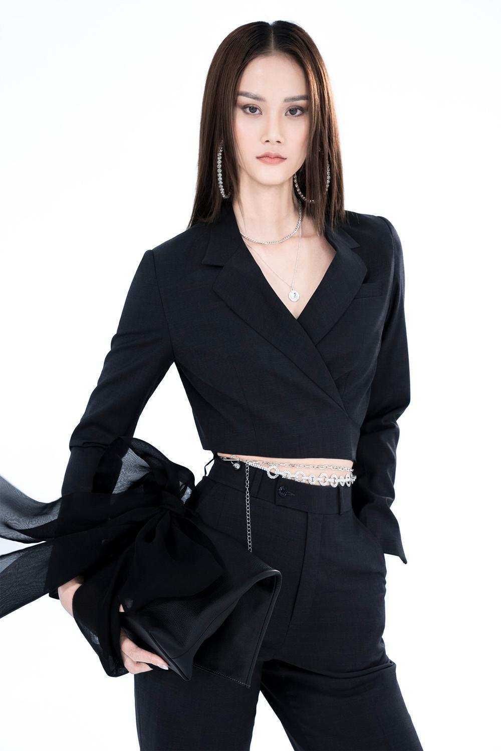 NTK Trần Hùng ra mắt BST tại London Fashion Week, chỉ dùng một người mẫu duy nhất Ảnh 11