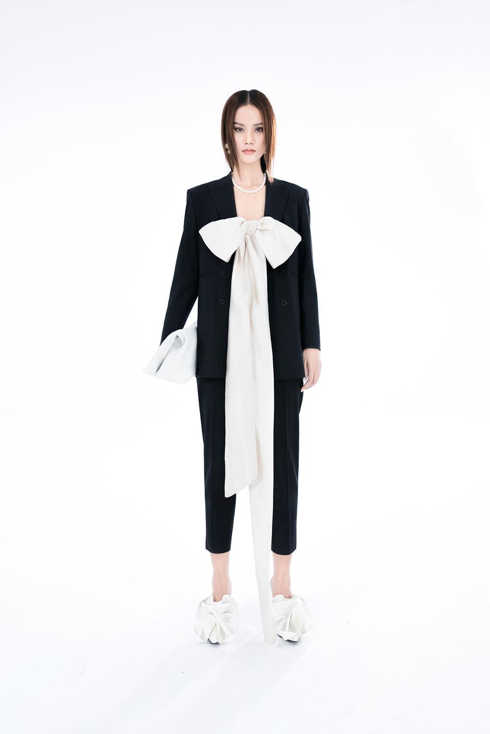 NTK Trần Hùng ra mắt BST tại London Fashion Week, chỉ dùng một người mẫu duy nhất Ảnh 13