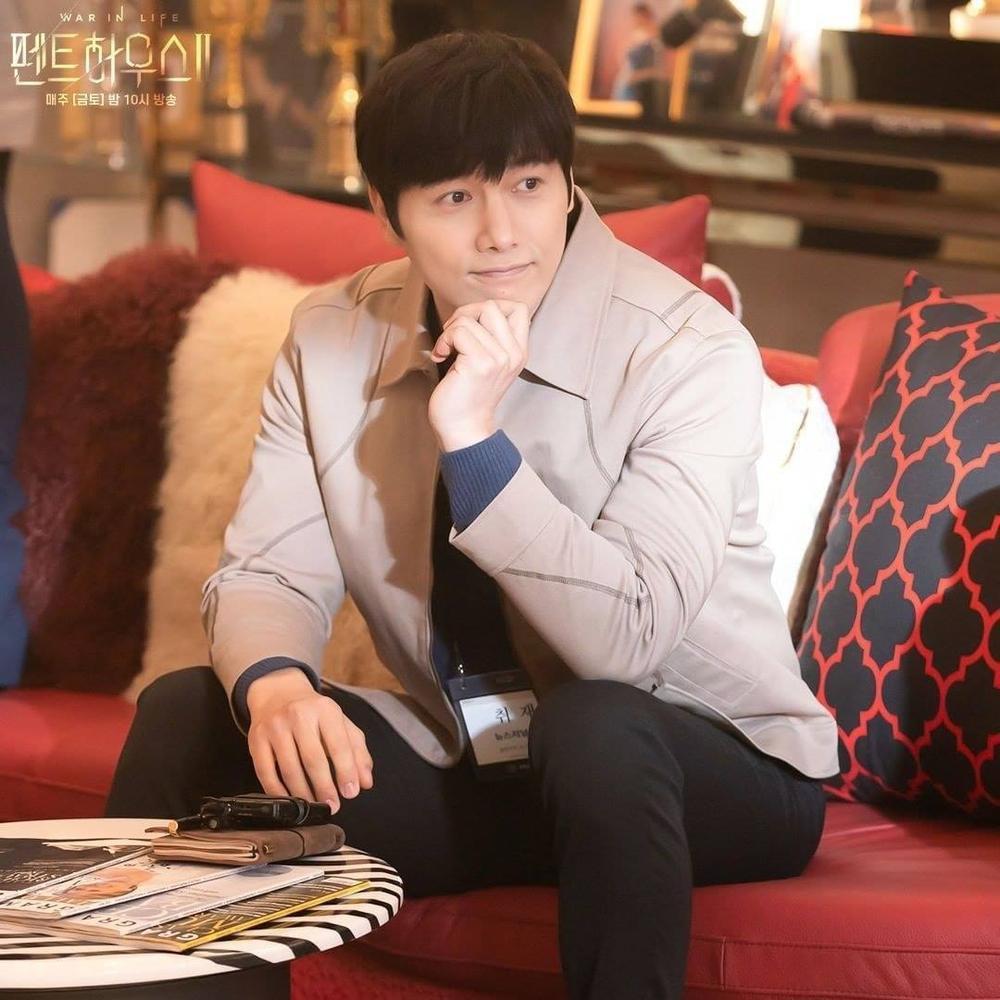 Biên kịch Penthouse 2 chuẩn bị 'bẻ lái': Chun Seo Jin mê chồng mới bỏ rơi Joo Dan Tae? Ảnh 3
