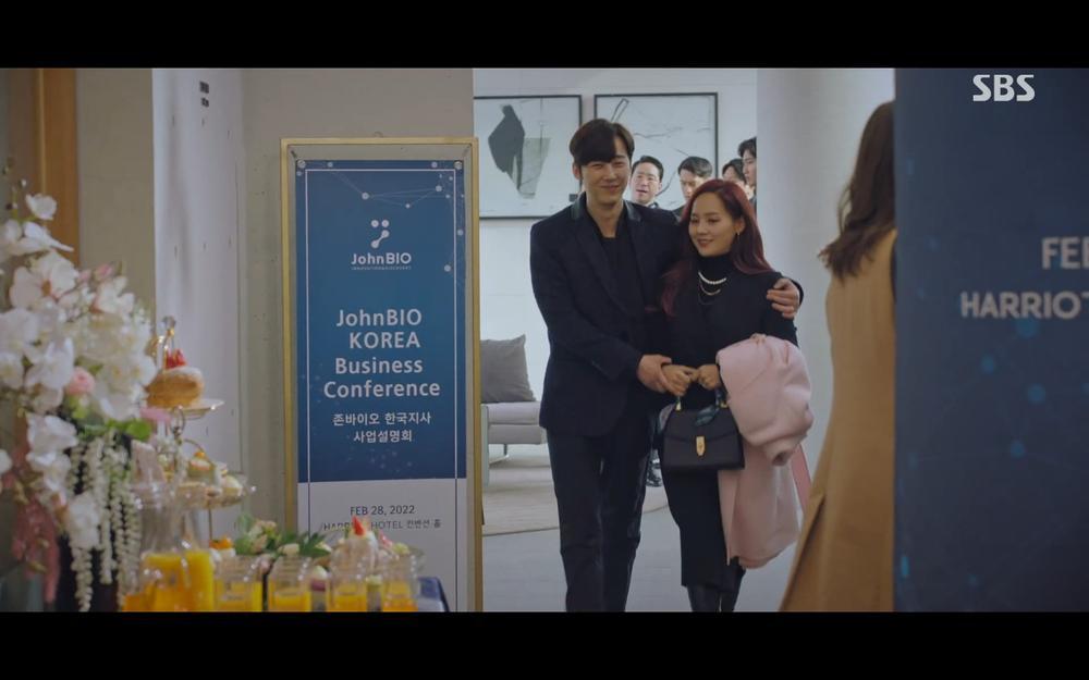 'Penthouse 2' tập 2: 'Cô giáo' Kim So Yeon thất bại ê chề vì hát nhép Eugene Ảnh 16