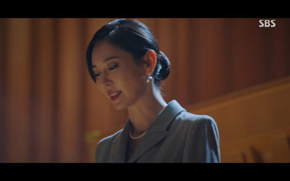 'Penthouse 2' tập 2: 'Cô giáo' Kim So Yeon thất bại ê chề vì hát nhép Eugene Ảnh 34