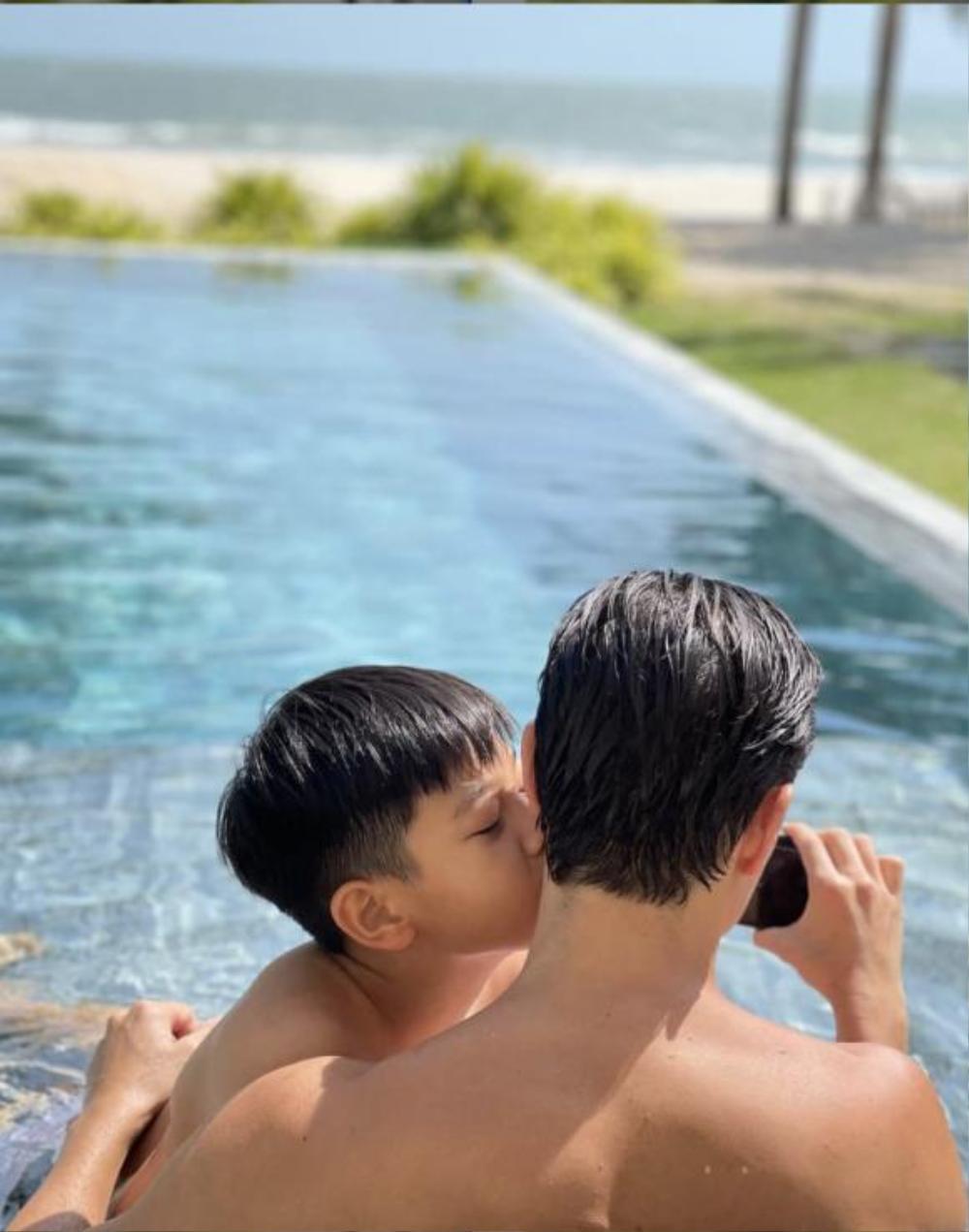 Hồ Ngọc Hà ghen tị ra mặt khi thấy con trai Subeo quấn quýt không rời bên Kim Lý Ảnh 3