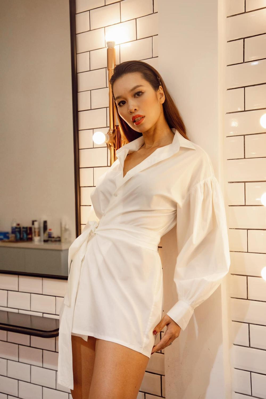 Khoe body 3 vòng căng đét, siêu mẫu Hà Anh lại khiến dân tình 'giật mình' vì mặt mộc kém sắc Ảnh 5