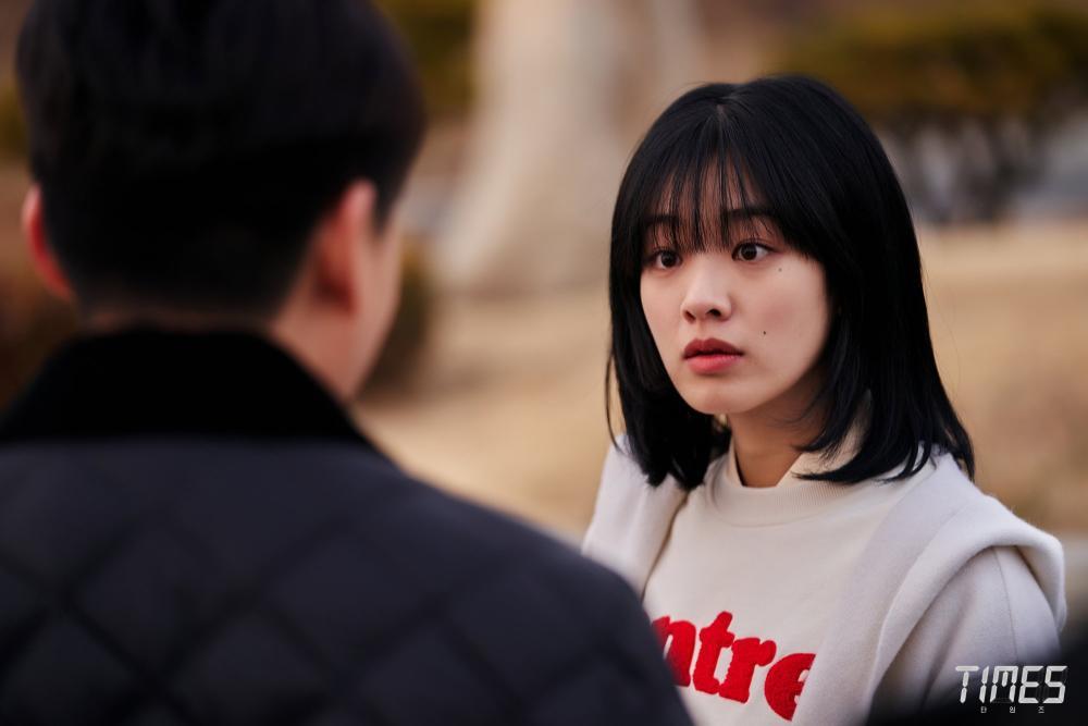 Rating phim 'Vincenzo' của Song Joong Ki tăng mạnh ở tập 2, tiến gần mốc 10% Ảnh 6