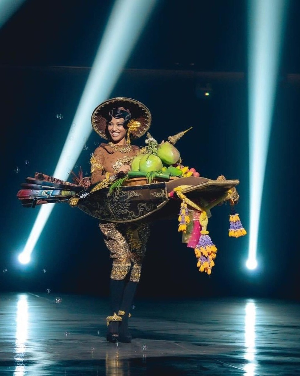 National Costume Hoa hậu Hòa bình: Indonesia - Thái Lan quá độc đáo, Guatamala hoành tráng Ảnh 3