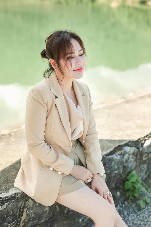 Vợ đại gia của Quý Bình khiến dân tình gật gù khi chia sẻ quan điểm về hạnh phúc Ảnh 5