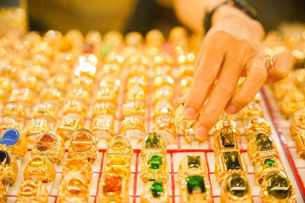 Sau ngày vía Thần Tài, người mua vàng đã lỗ 750.000 đồng/lượng nếu bán ra Ảnh 1