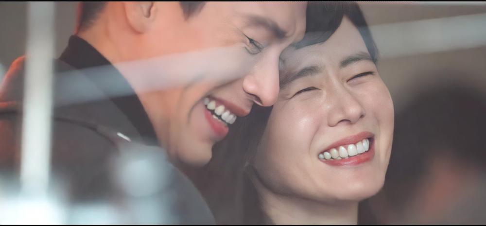 Hyun Bin và Son Ye Jin tuyệt đẹp trong loạt hình ảnh mới, chụp 'sương sương' mà lung linh như ảnh cưới Ảnh 1