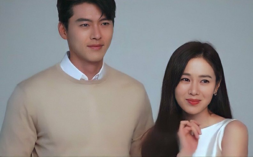 Hyun Bin và Son Ye Jin tuyệt đẹp trong loạt hình ảnh mới, chụp 'sương sương' mà lung linh như ảnh cưới Ảnh 2