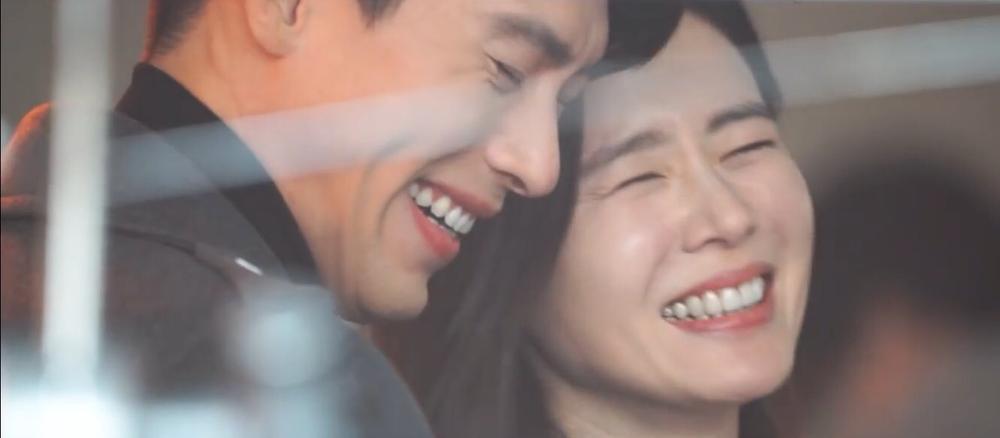 Hyun Bin và Son Ye Jin tuyệt đẹp trong loạt hình ảnh mới, chụp 'sương sương' mà lung linh như ảnh cưới Ảnh 5