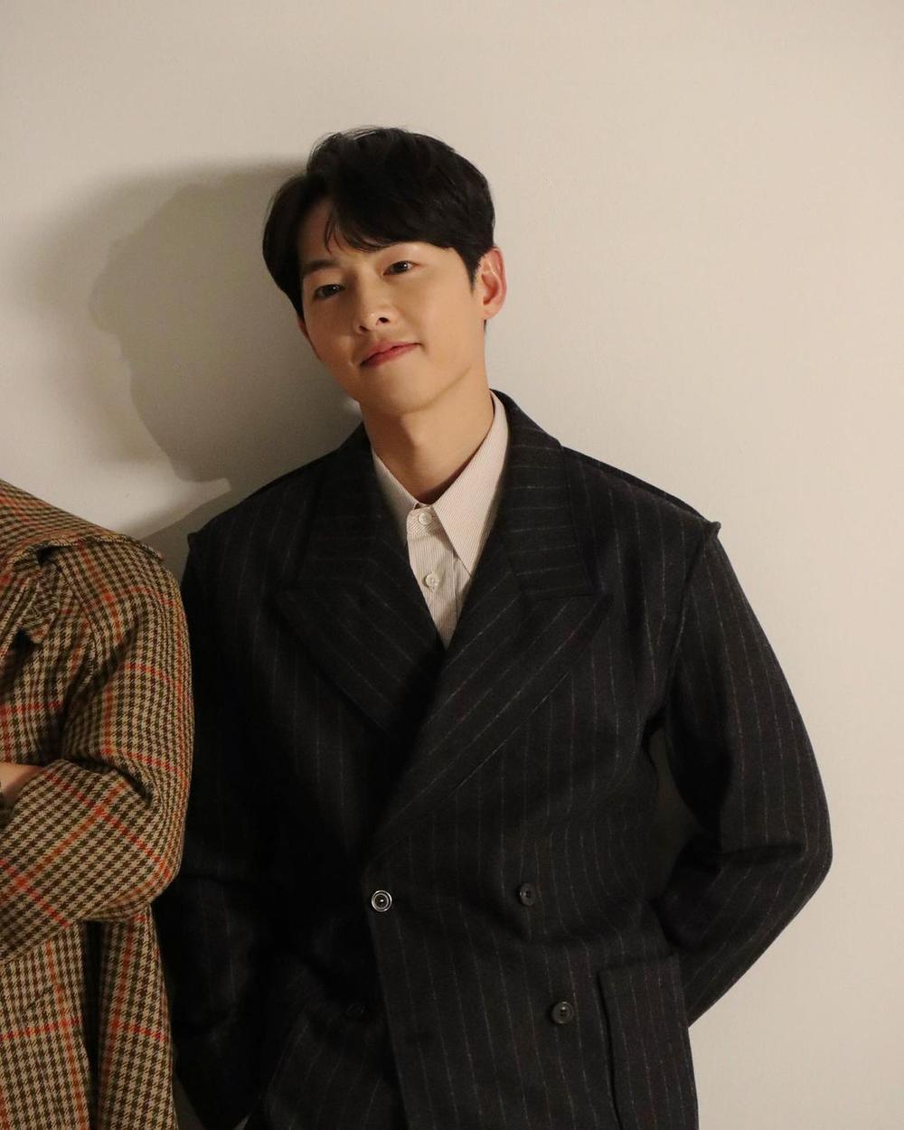 'Vợ chồng' Song Hye Kyo - Song Joong Ki đọ sắc: 'Em không là nàng thơ, anh cũng không là nhạc sĩ mộng mơ' Ảnh 2