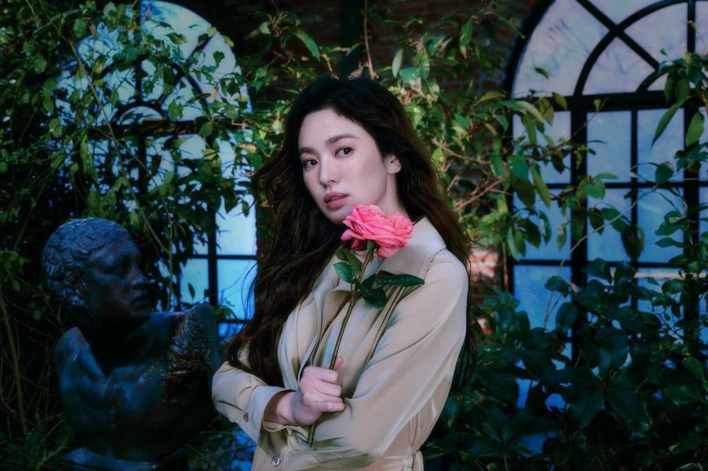 'Vợ chồng' Song Hye Kyo - Song Joong Ki đọ sắc: 'Em không là nàng thơ, anh cũng không là nhạc sĩ mộng mơ' Ảnh 7
