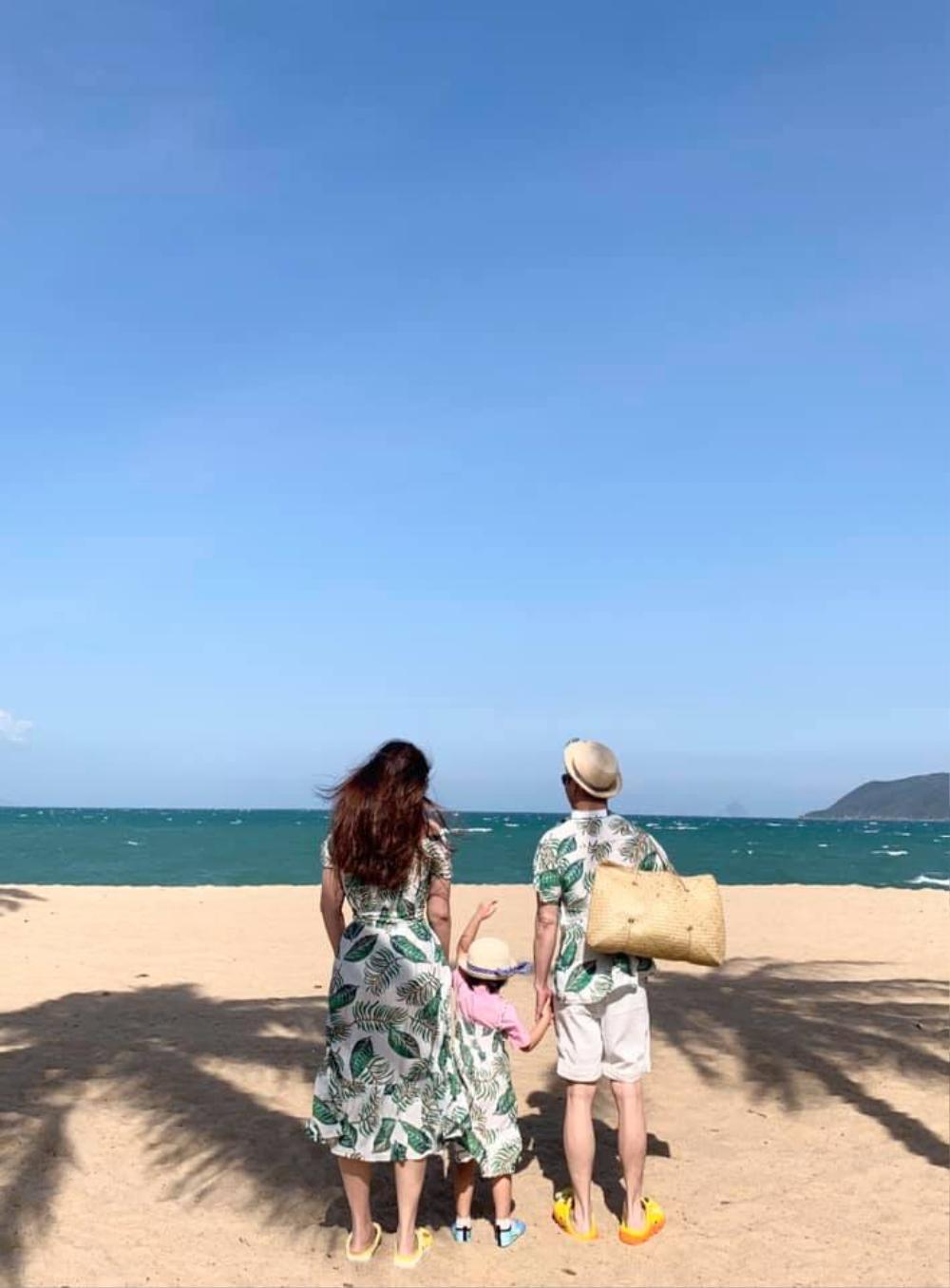 Chồng đại gia của Phan Như Thảo 'rầu rĩ' vì con bám cả ngày, không thể gần gũi với vợ Ảnh 6
