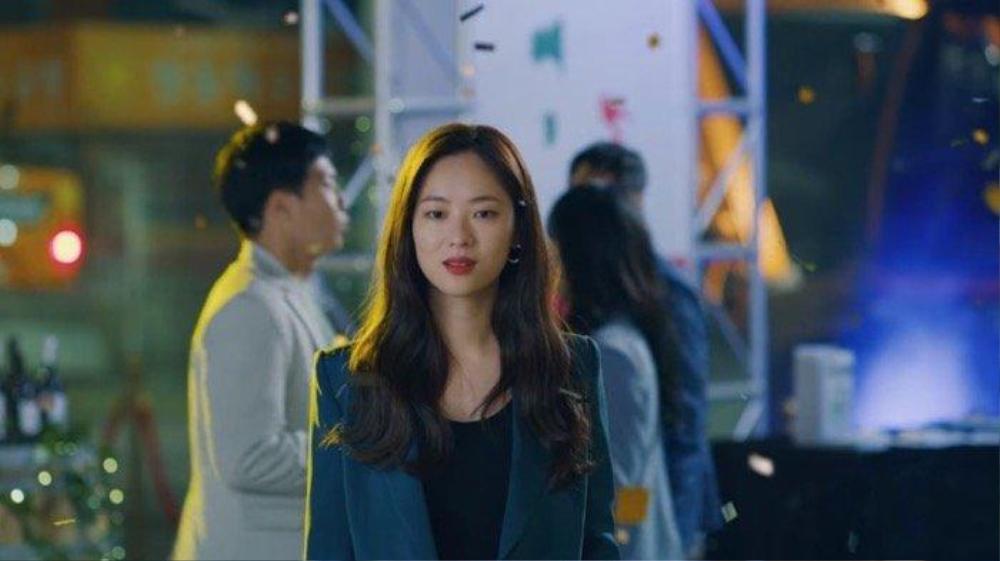 'Vincenzo': Jeon Yeo Bin đã có dấu hiệu 'say nắng' với luật sư mafia Song Jong Ki Ảnh 13