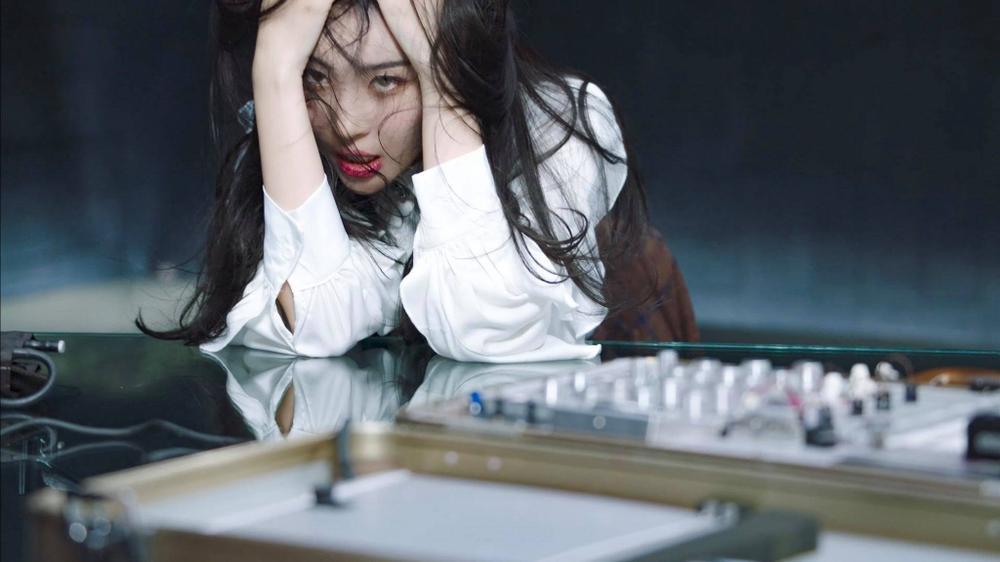 Sunmi chính thức 'lột xác' trở thành nàng miêu nữ quyến rũ trong MV mới Ảnh 6