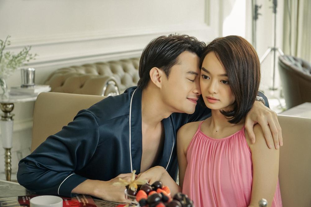 Những cảnh nóng đỏ mặt của Kaity Nguyễn trong 'Gái già lắm chiêu V' Ảnh 11