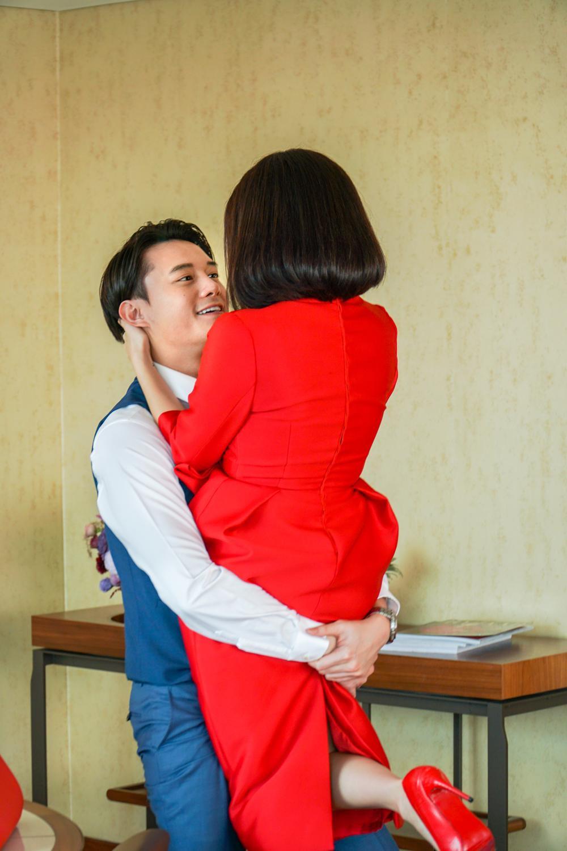Những cảnh nóng đỏ mặt của Kaity Nguyễn trong 'Gái già lắm chiêu V' Ảnh 14